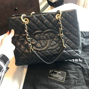 cedfcb723e58a8 Women Chanel Tote Caviar Black on Poshmark
